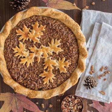 "12"" Leaves & Apples Reversible Pie Top Cutter"