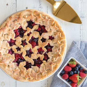 Baked pie with stars pie top crust design