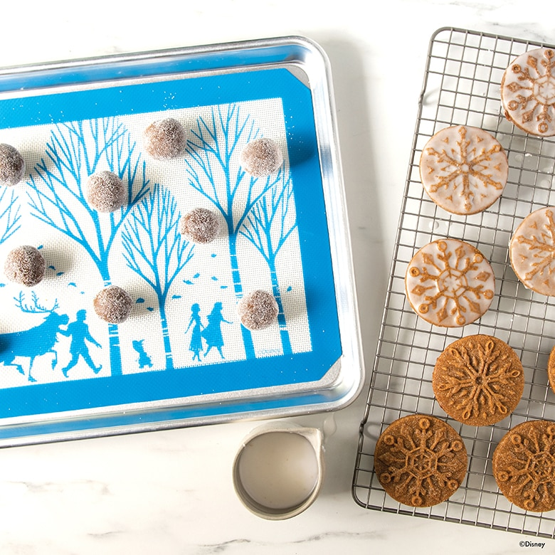 Disney Frozen 2- 3 Piece Cookie Baking Set