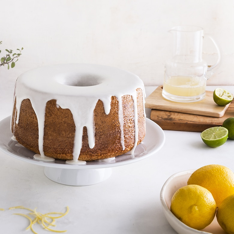 Classic Cast Pound Cake and Angelfood Pan
