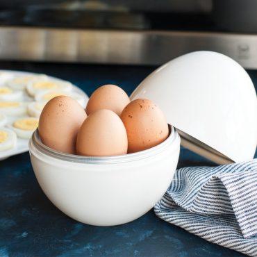 Microwave brown eggs in open boiler