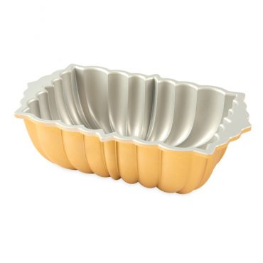 Classic Fluted Loaf Pan, silver nonstick interior