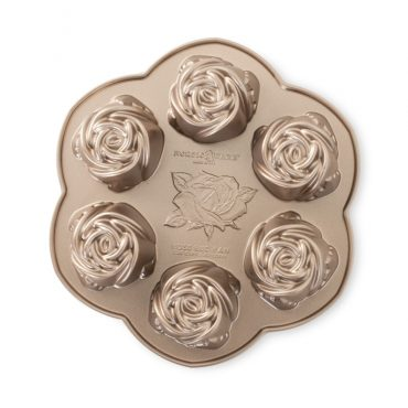 Rosebud Cake Pan, 6 rose cake wells with toffee exterior
