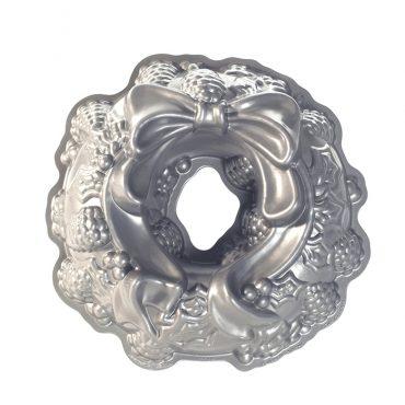 Holiday Wreath Bundt Pan, silver exterior