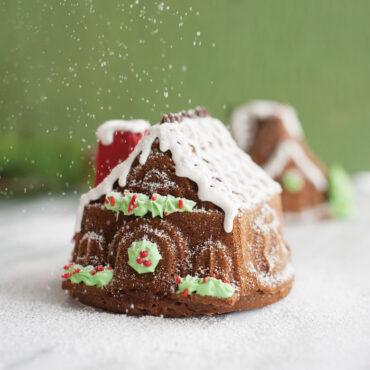 Gingerbread House Duet Pan