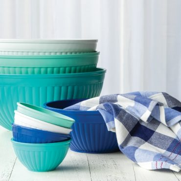 Set of 4 mini prep and serve bowl, set of 4 mixing bowls, group shot