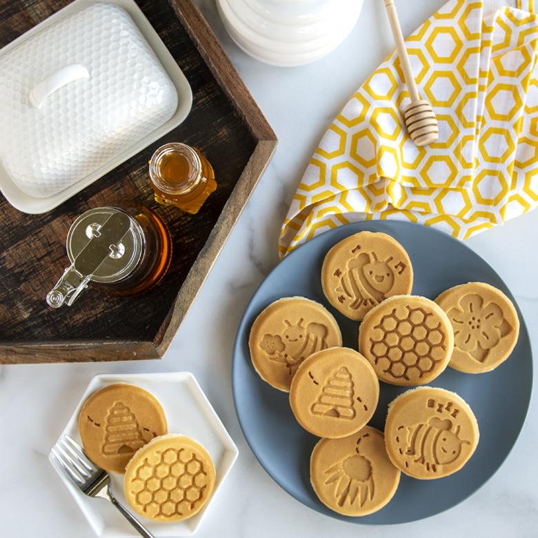Sweet Honey Bee Pancakes
