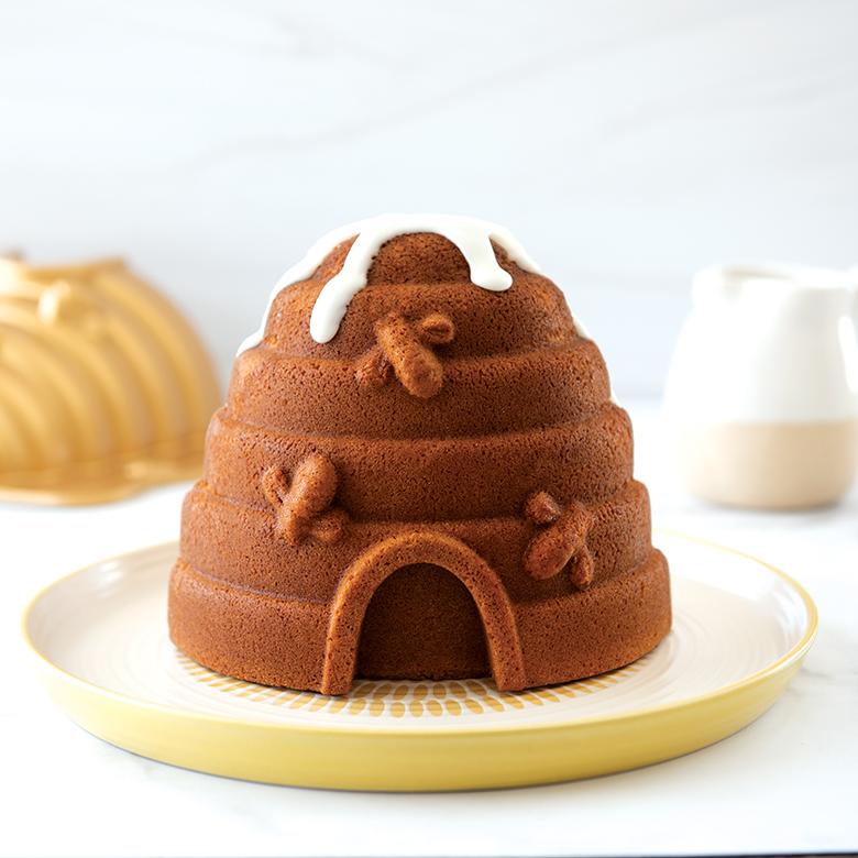 Honey Lemon Beehive Cake