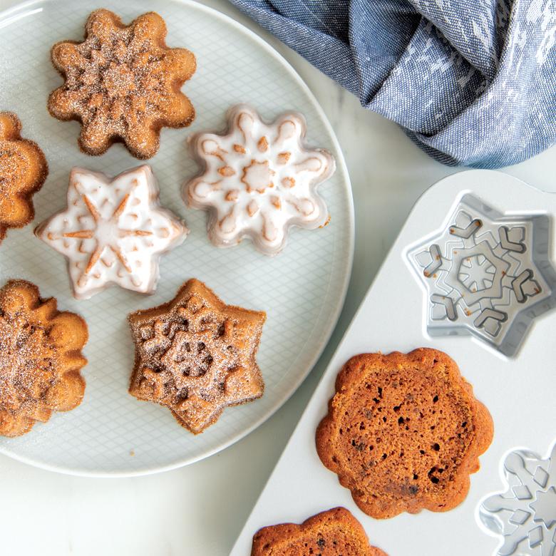 Wintery Snowflake Cakelets