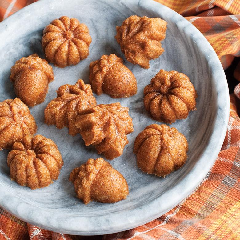 Chai Spice Autumn Cakes with Nutmeg Glaze