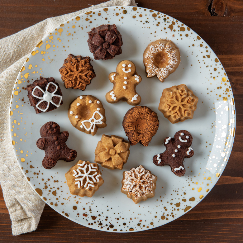 Cocoa Almond Holiday Cakelets