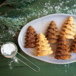 Spiked Gingerbread Cakelets