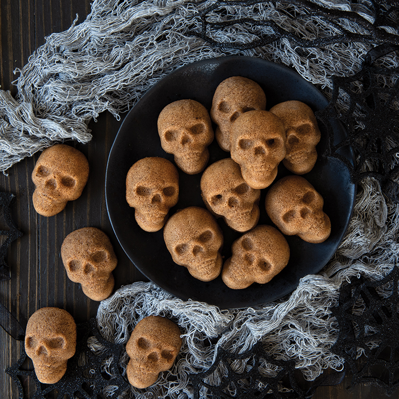 Spicy Skull Cake Bites