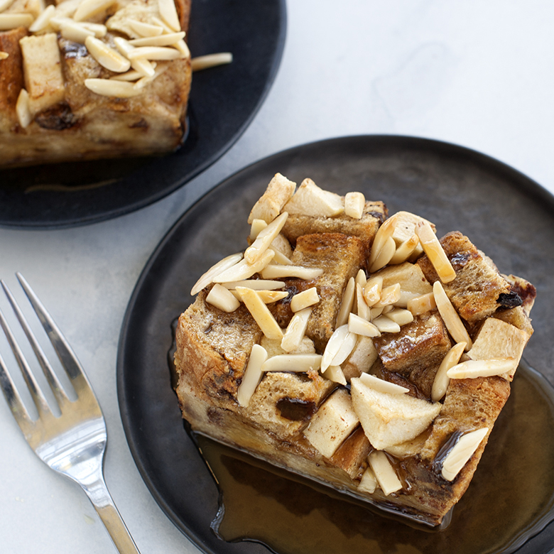 Apple Cinnamon Oven-Baked French Toast