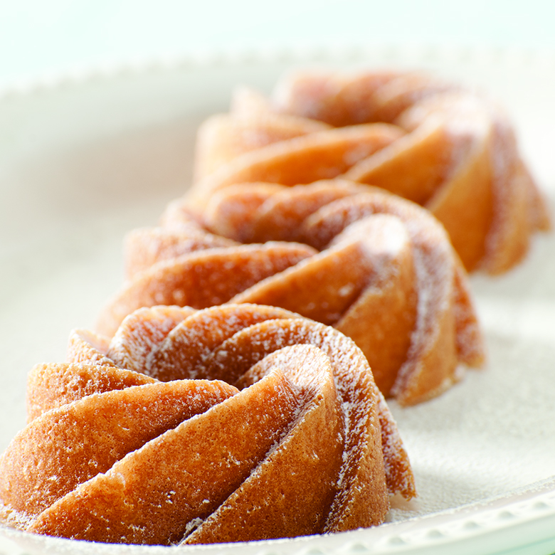 Citrus Creamsicle Cakes